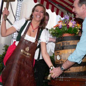 Erlanger Bierfrühling 2012: Mirjam Eckert ist die 12. Kitzmann-Bierkönigin